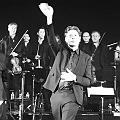 Benjamin Biolay chante Trénet en concert