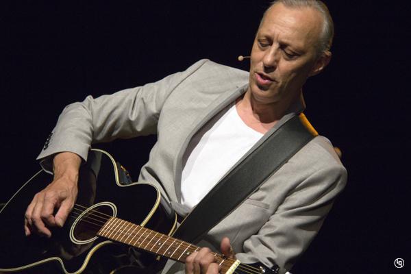 Tom Novembre en concert