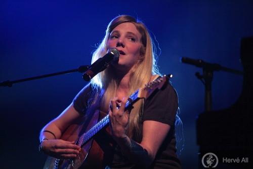 Frida Hyvönen + Essie Jain (Printemps de Bourges 2009) en concert