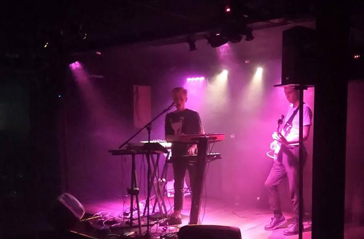 C.A.R. + RROBIN en concert