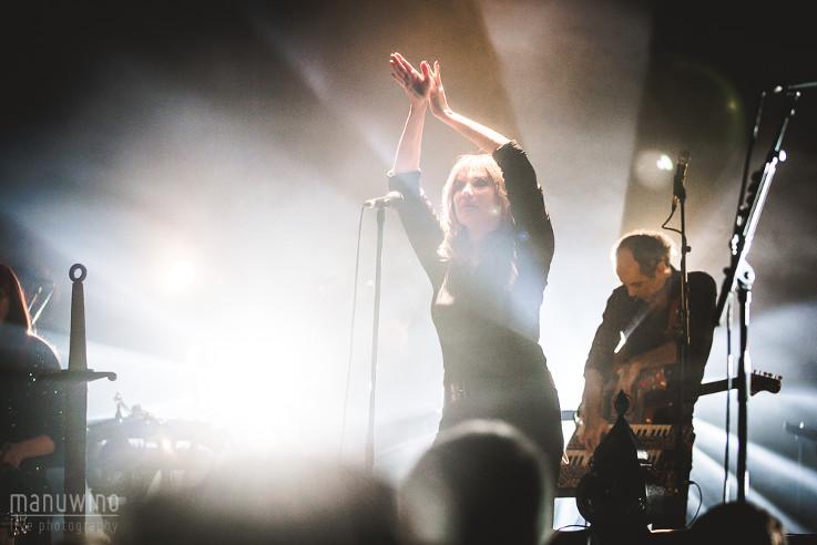 L'Épée (Emmanuelle Seigner + The Liminanas + Anton Newcombe) en concert