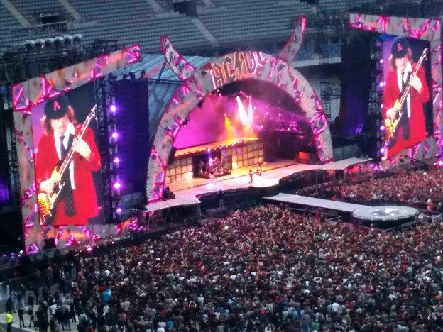 AC/DC + Vintage Trouble + No One Is Innocent en concert