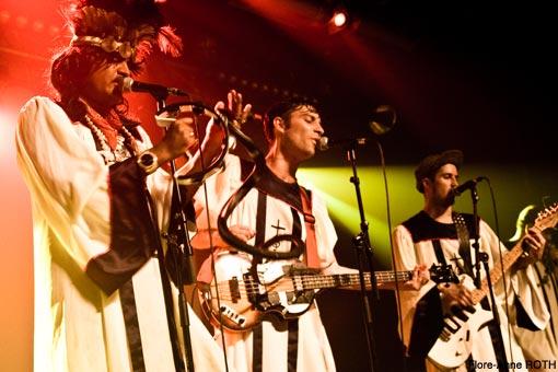 King Khan & BBQ Show + Black Lips + The Almighty Defenders + Topper Harley en concert