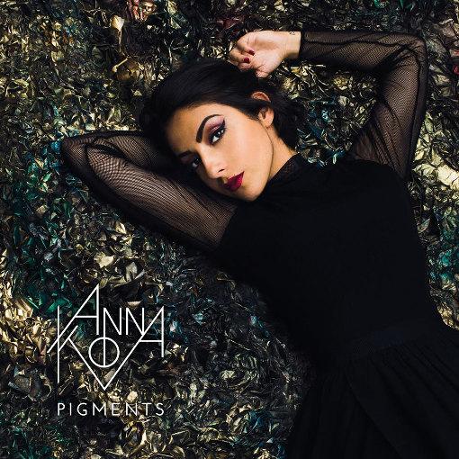 Interview d'Anna Kova à l'occasion de la sortie de son EP intitulé Pigments en concert