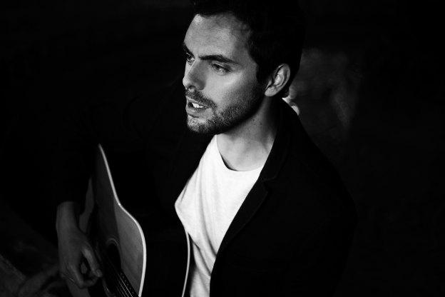 Entretien avec Bastien Lanza pour la sortie de son premier album, 2H du mat en concert