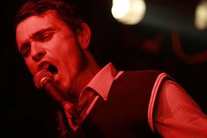 John Cale + Klaxons + Twisted Charm + Cocoon + Vale Poher + Frustration + De Kift + 17 Hippies (Les Volcaniques de Mars 2007) en concert