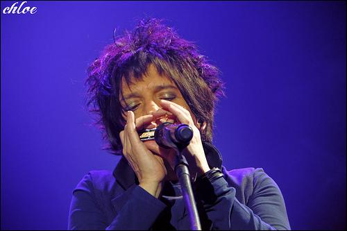 Indochine +  Suzanne Combeaud en concert