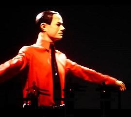 Kraftwerk (3D) ... et d'abord quelques réflexions sur la musique qui nous anime... en concert