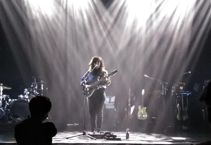 Laura Cahen en concert