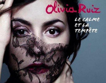 Olivia Ruiz (avec en invités Orelsan, Chet et Howard Hugues de Coming Soon... ) en concert