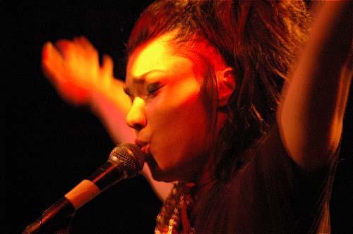 Brisa Roché en concert