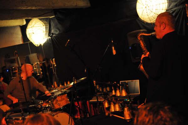 Akosh S. & Gildas Etevenard en concert
