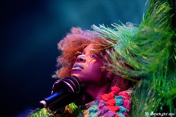 Ebony Bones + Tristesse Contemporaine en concert