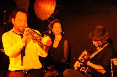C. LeLoil, H. Florens, S. Galeski, Sista K : Emma's Workshop Quartet. en concert
