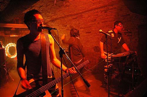 LO + the Epoxies en concert