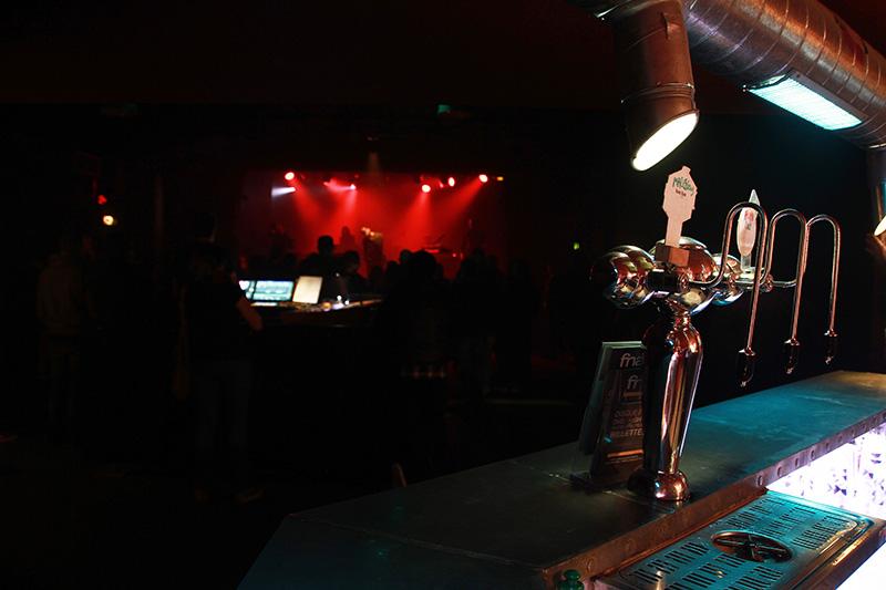 Ghostpoet, Yeggmen en concert