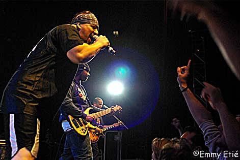 Infectious Groove en concert