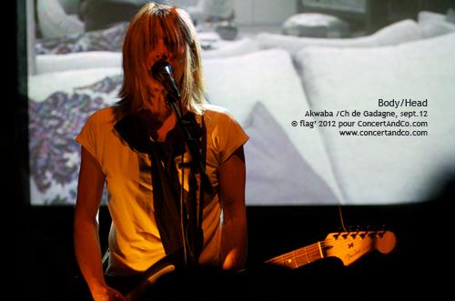 Body/Head + Das Simple en concert