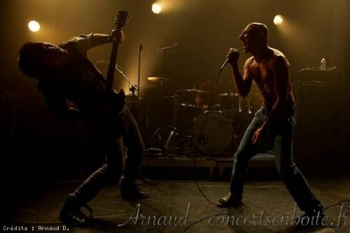 No One is Innocent + Pass en concert