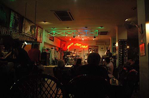 Red River, Huong Sen, ...  en concert