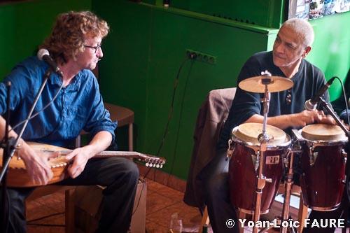 Sam Karpienia & Rachid Meslem en concert