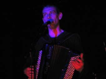Tetes Raides feat. Grosses Papilles + David Lafore Cinq Tetes (Festival Avec Le Temps 2004) en concert