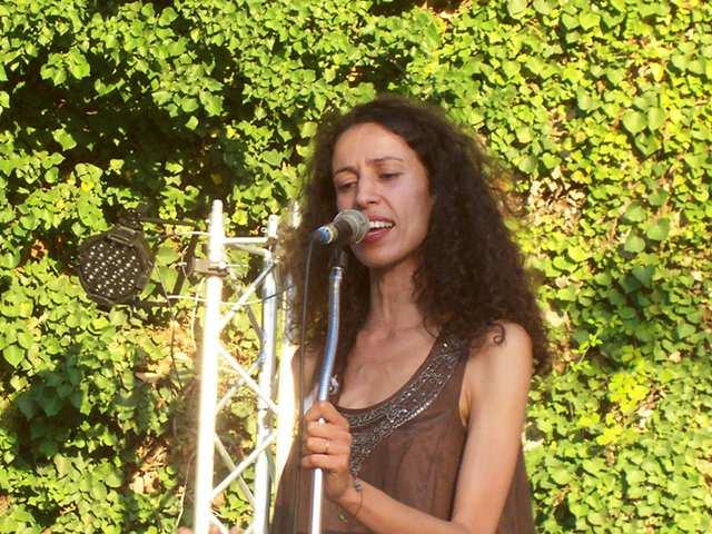 Interview de Yasmina (à l'occasion de sa participation au Festival de Robion)
