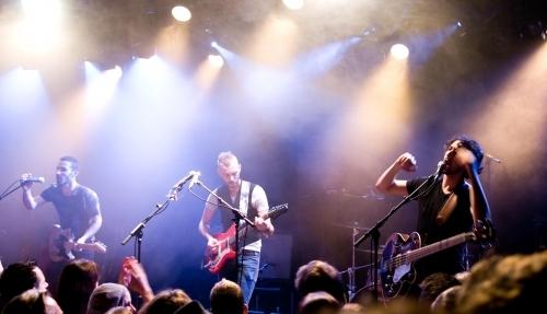 Asaf Avidan and The Mojos en concert