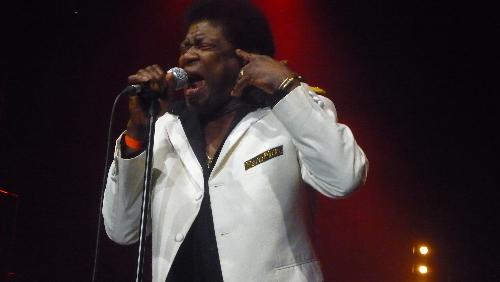 Charles Bradley, Lee Fields & The Menahan Street Band (Bol De Funk 2011) en concert