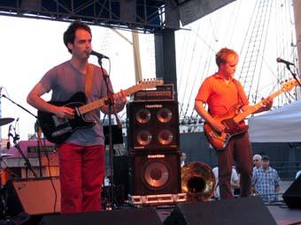 Clap Your Hands Say Yeah (Seaport Music Festival) en concert