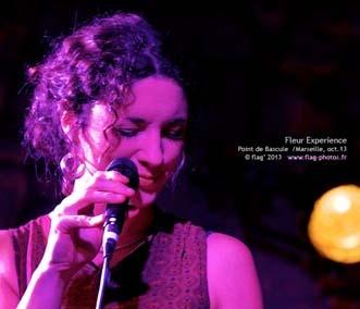 Fleur Sana en concert