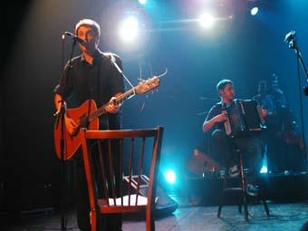 Les Hurlements d'Léo (Avec Le Temps) en concert