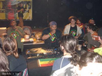 Iration Steppas + Lion Roots en concert