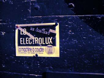 avis et critique du concert de lo elektrolux le 19 mars 2004 machine coudre marseille. Black Bedroom Furniture Sets. Home Design Ideas
