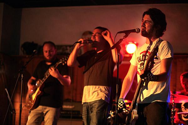 Zone a riff + Los maska en concert