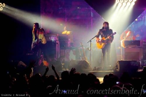 -M- + Isaya en concert
