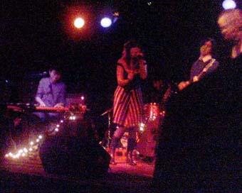 Nicole Atkins and The Sea en concert