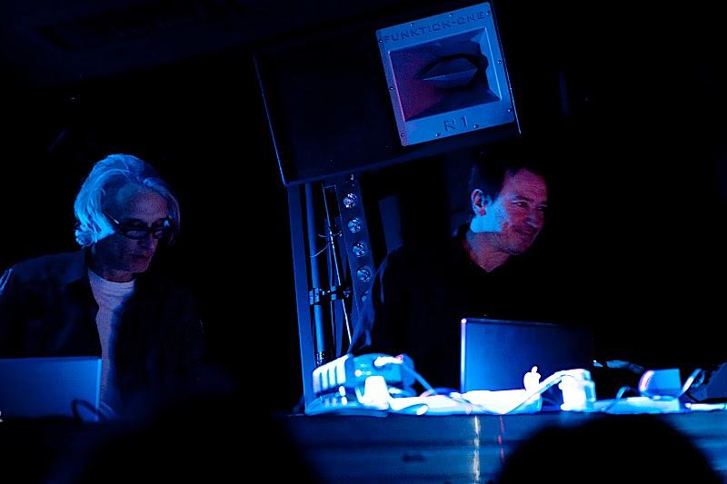 RECOIL - A Strange Hour with Alan Wilder & Paul Kendall en concert
