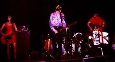 THEO HAKOLA + Bird in Shell en concert