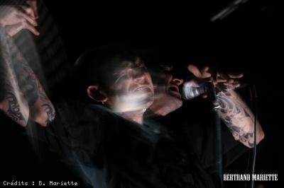 1 - Les Tambours du Bronx - B. Mariette