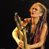 Deborah Henson-Conant en concert