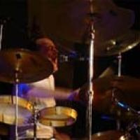 Charles Hayward en concert