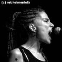 Elli Medeiros en concert