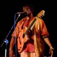 Emmanuel Djob en concert