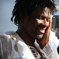 Emmanuel Pi Djob en concert