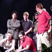 Fifty Foot Combo en concert