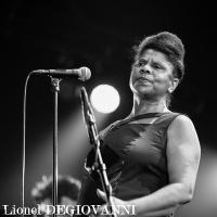 Nathalie Natiembe en concert