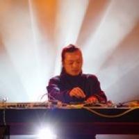 Wang Lei en concert