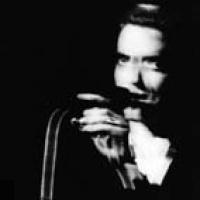 Théo Hakola en concert